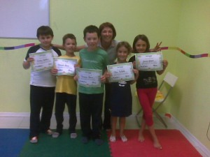"La maestra Laura e i ragazzi del corso ""More English for all Children"""