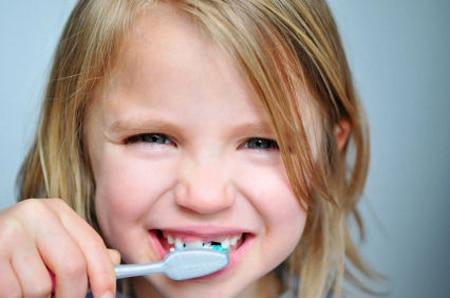 Lavarsi i denti in inglese il dell inglese per i bambini